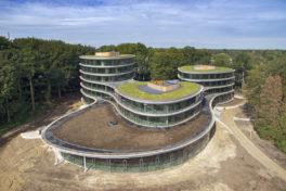 Holzkonstruktion für Bürogebäude