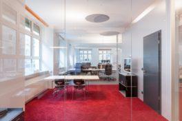 Architekturbüros richten sich in einer Fabrik ein