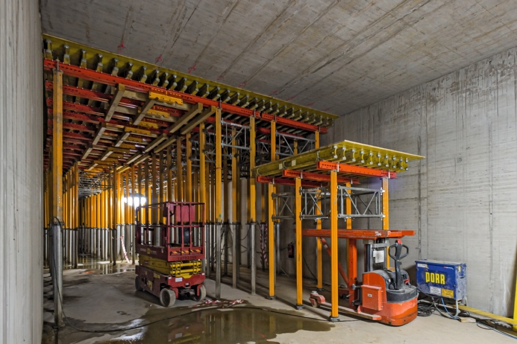 Ringtunnel: Umsetzen der abgesenkten Deckentische