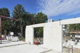 Mauerwerksbau mit Planelementen