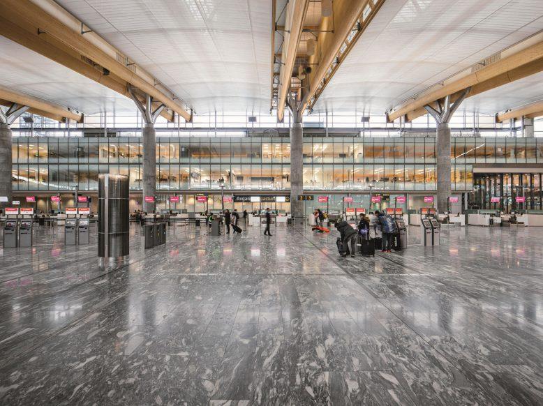 zumtobel_group_airport_oslo_2